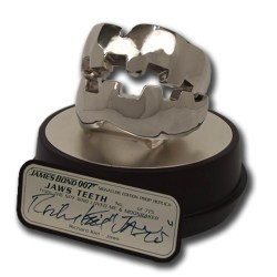 James Bond 007: Jaws Teeth Signature Edition Prop Replica
