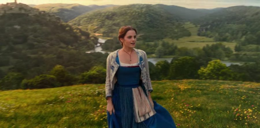 Emma Watson's y necklace in Beauty and the Beast (2017)