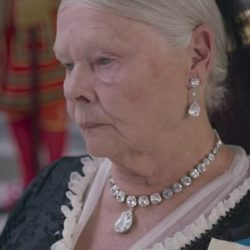 Diamond necklace Judi Dench in Victoria and Abdul (2017)