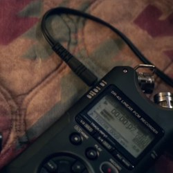 Digital audio recorder Rhian Rees in Halloween (2018)