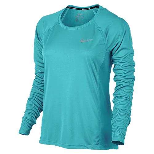 Blue Nike shirt Tiffany Haddish in Night School (2018)