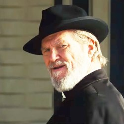 Black hat Jeff Bridges in Bad Times at the El Royale (2018)