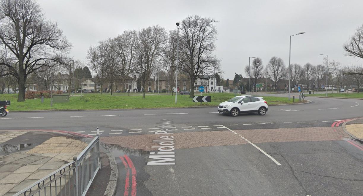 Police appeal after Eltham car hijacking