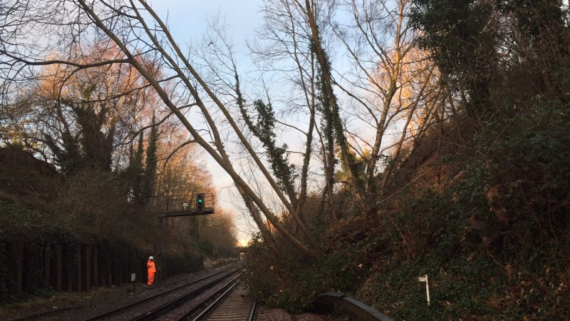Landslide near Bexleyheath blocks Southeastern trains with no service all day