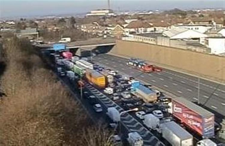 Dartford Tunnel closed due to power failure