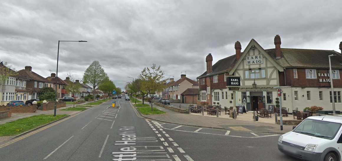 Armed moped riders arrested in Bexleyheath after crash