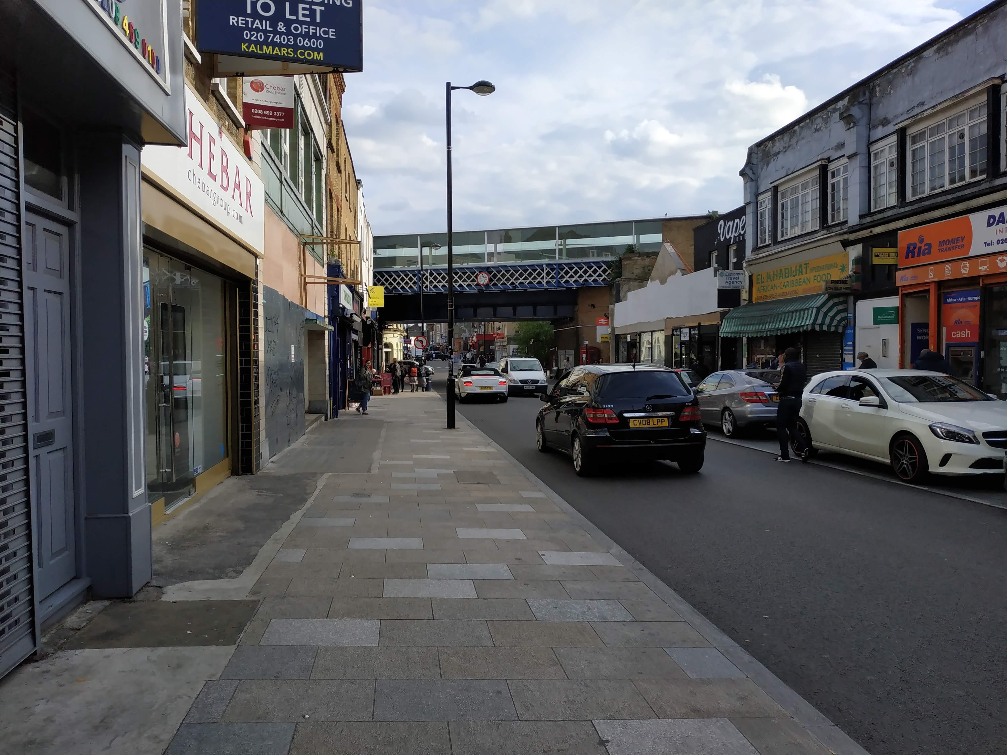 Man stabbed on Deptford High Street after large fight