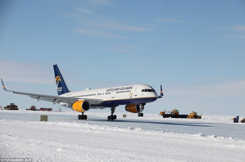 Loftleidir Icelandic Boeing 757 Union Camp 2