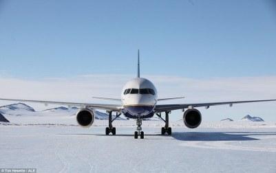 Loftleidir Icelandic Boeing 757 Union Camp 4