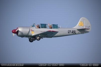 YAK52 - Pesaro Air Show 2016