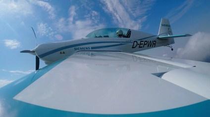 eaircraft-siemens-extra-330le