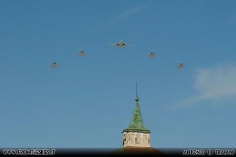 Moscow Victory Day Parade 2018 - Tupolev Tu-160 e 4 Tupolev Tu-22M3