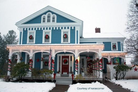 Diy Christmas Porch Ideas 8