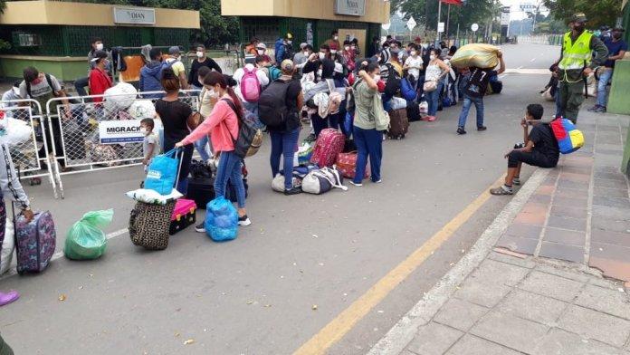 retorno venezolanos frontera