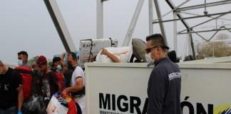migrantes venezolanos frontera