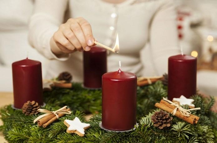 vela encendida rituales Navidad