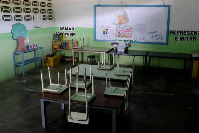 aulas sin maestros Amazonas