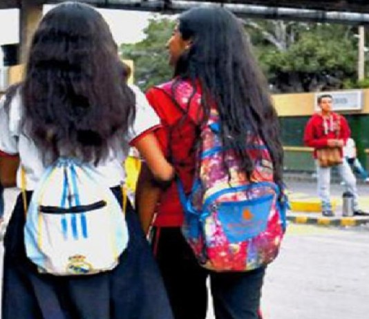niños venezolanos clases presenciales