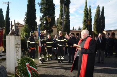 S-Barbara-deposizione-corona-VVF-caduti-cimitero-Rieti-foto-Massimo-Renzi-06