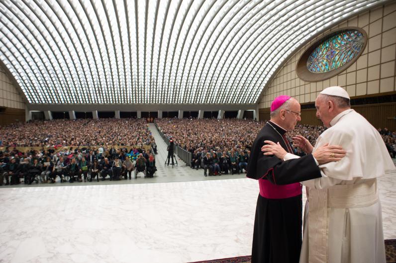 Vaticano, 21 febbraio Papa Francesco riceve in udienza i pellegrini della diocesi di Cassano all'Jonio 01