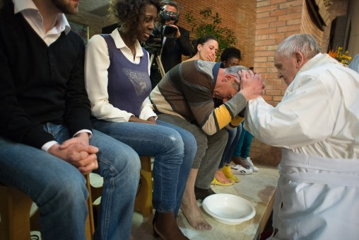 Papa-Francesco-celebra-la-messa-in-''Coena-Domini''-a-Rebibbia-20