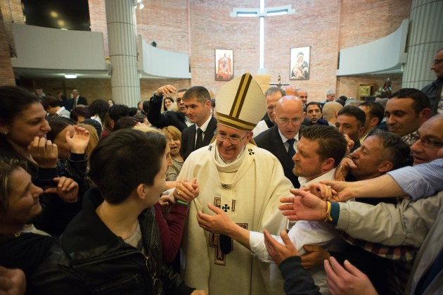 Papa-Francesco-celebra-la-messa-in-''Coena-Domini''-a-Rebibbia-25