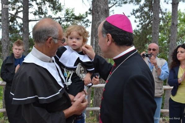 Vescovo-Domenico-Pompili-chiesa-San-Gregorio-Cantalice-foto-Massimo-Renzi-11
