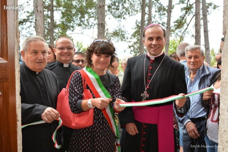 Vescovo-Domenico-Pompili-chiesa-San-Gregorio-Cantalice-foto-Massimo-Renzi-34