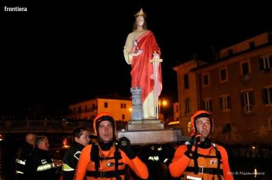 Santa-Barbara-2015-Processione-sul-fiume-foto-Massimo-Renzi-17
