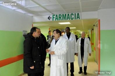 Mons-Domenico-Pompili-visita-al-De-Lellis-(22-dicembre-2012)-foto-di-Massimo-Renzi-03