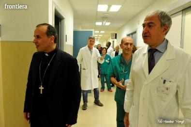 Mons-Domenico-Pompili-visita-al-De-Lellis-(22-dicembre-2012)-foto-di-Massimo-Renzi-07