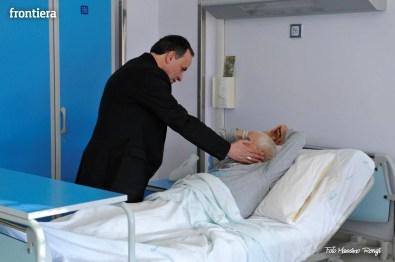 Mons-Domenico-Pompili-visita-al-De-Lellis-(22-dicembre-2012)-foto-di-Massimo-Renzi-14