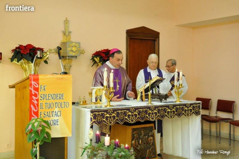 Mons-Domenico-Pompili-visita-al-De-Lellis-(22-dicembre-2012)-foto-di-Massimo-Renzi-23