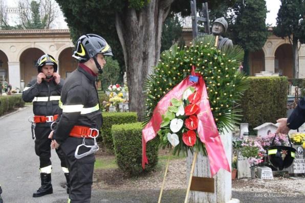 Vigili-del-Fuoco-deposizione-corona-caduti-Santa-Barbara-nel-Mondo-2015-Foto-Massimo-Renzi-15