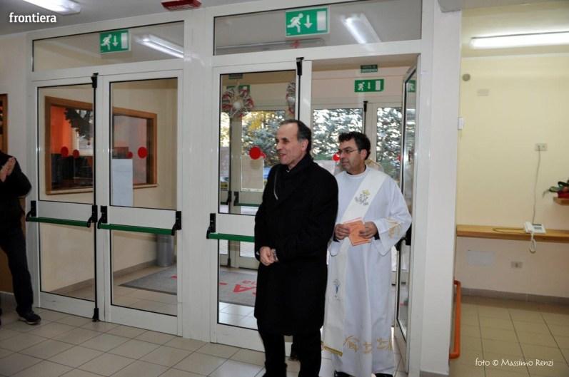 Visita-del-Vescovo-Domenico-Pompili-alla-RSA-di-S-Rufina-foto-Massimo-Renzi-12