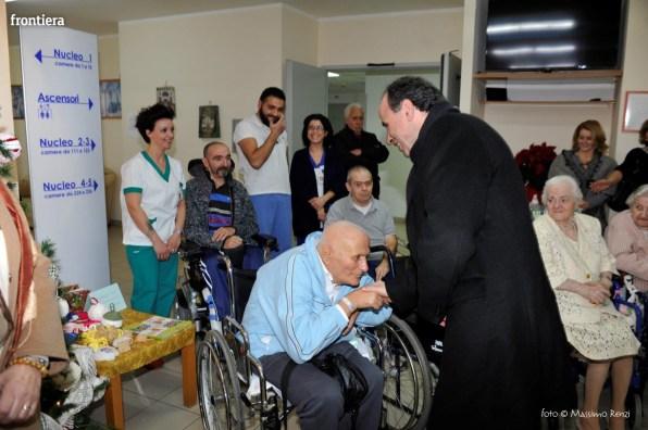 Visita-del-Vescovo-Domenico-Pompili-alla-RSA-di-S-Rufina-foto-Massimo-Renzi-21