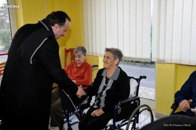 Visita-del-Vescovo-Domenico-Pompili-alla-RSA-di-S-Rufina-foto-Massimo-Renzi-28