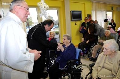 Visita-del-Vescovo-Domenico-Pompili-alla-RSA-di-S-Rufina-foto-Massimo-Renzi-29