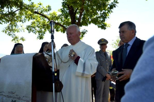 DSC_0026 - Don Franco Tolomei si accinge a dare lettura del Vangelo