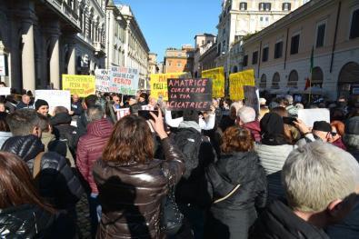 [25.01.2017] Protesta dei terremotati a Roma DSC_2031