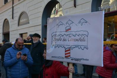 [25.01.2017] Protesta dei terremotati a Roma DSC_2032
