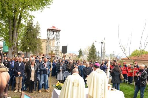 Santa-messa-di-Pasqua-Amatrice-2017-foto-Daniela-Rusnac-03