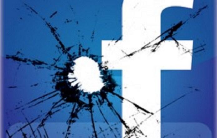"""Facebook stuurt nu meldingen die gebruikers aanmoedigen om groepen te verlaten die """"desinformatie"""" over Coronavirus posten"""