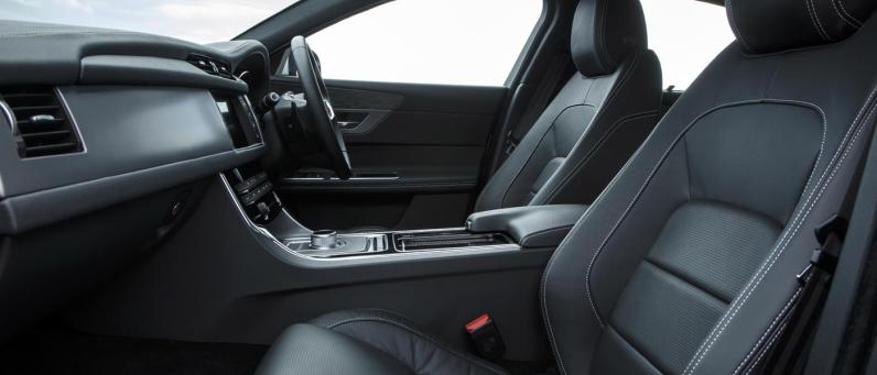 Jaguar XF 2017 03