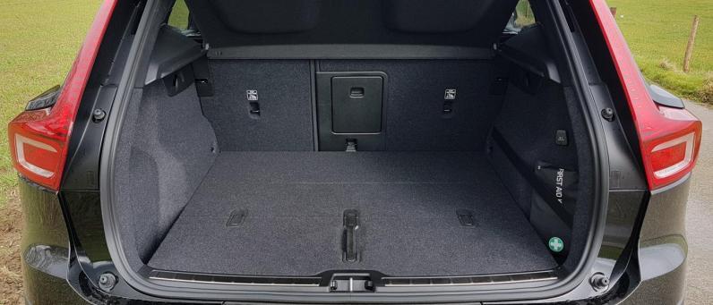 Volvo XC40 2018 09