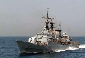 Guardia costiera libica spara contro peschereccio di Mazara del Vallo: ferito pescatore italiano.