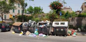 Le strade di Roma invase dai rifiuti, pronto il commissario della Regione Lazio dal primo agosto.