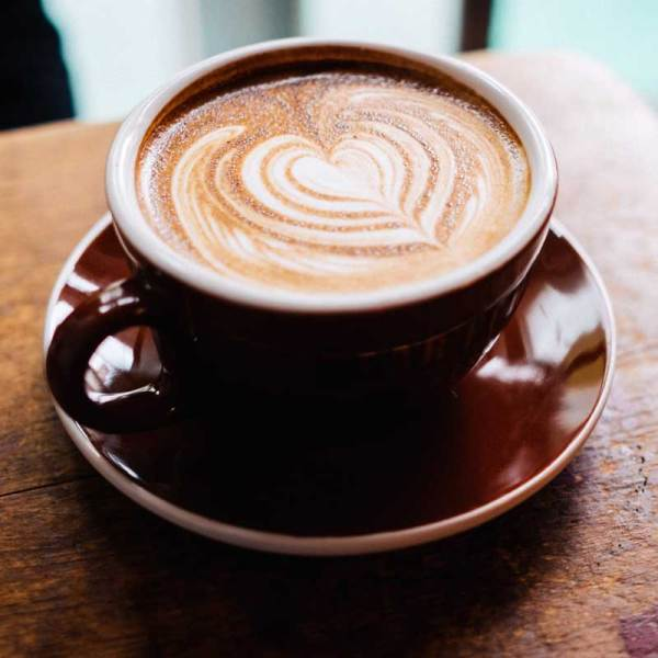 Check out the best coffee shops and bakeries in DC. For more tips on where to eat in Washington, DC, the USA's capitol, check out this post!