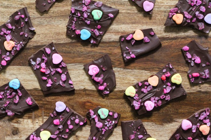 chocolate, chocolate recipe, chocolate dessert, candy, candy recipe, valentines day candy, valentines day, bark, chocolate ba