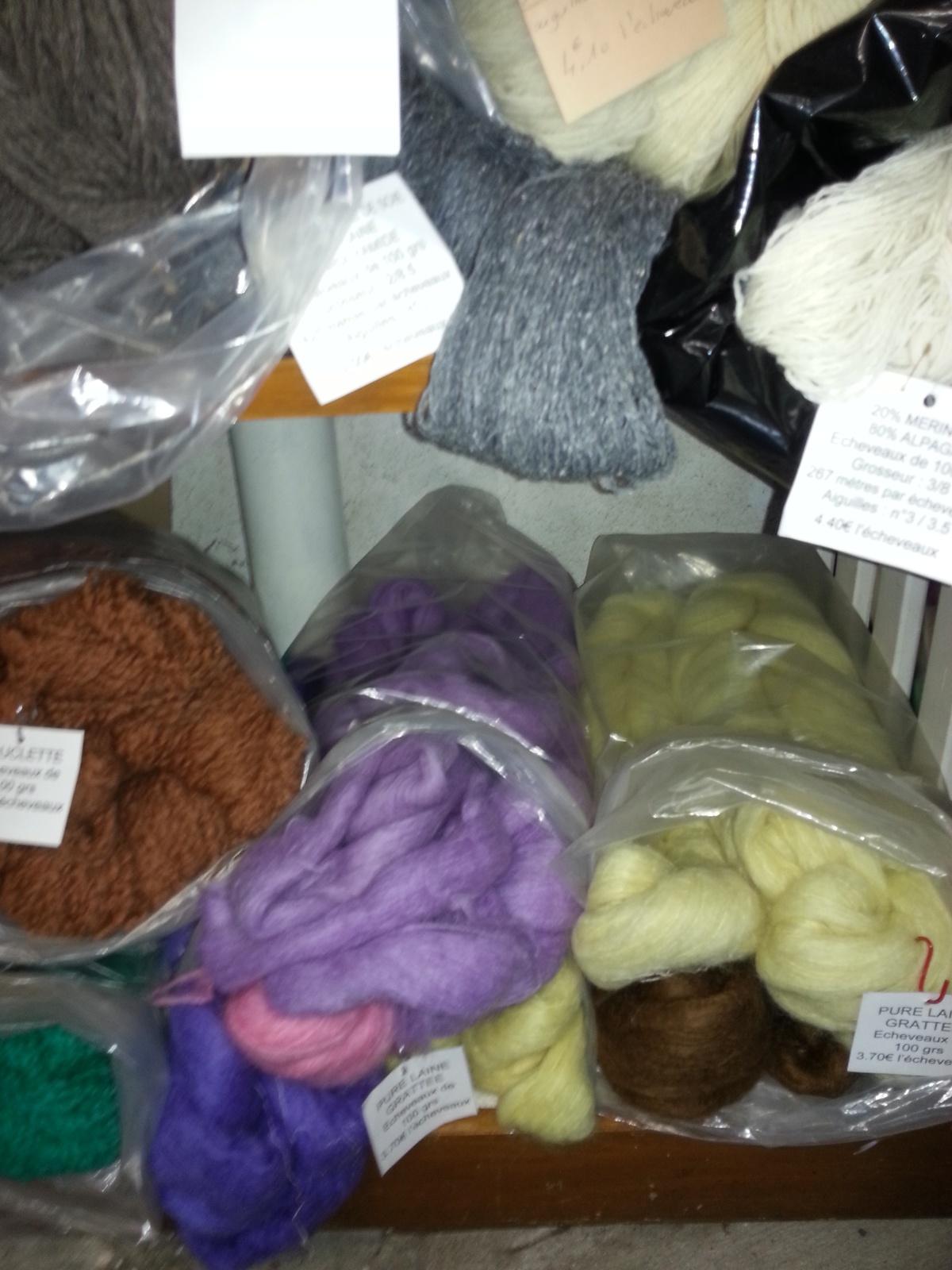 De la laine grattée façon angora et des mélanges de mohair.